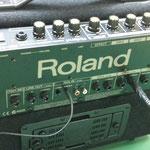 背面部 接続もマイク系統やギターやキーボード・CDプレーヤー多数接続可能