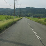 一直線の農道