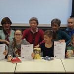 Die Preisträger des diesjährigen Vorlesewettbewerbs und die Damen der Jury.