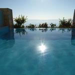 Sonne im Pool
