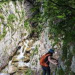 Schmaler Kletterweg