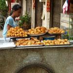 Notre petit déj habituel: 10 beignets pour 1€ !
