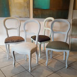 Stühle Louis Philippe, Gestelle in verschiedenen Farben gestrichen und neu bezogen