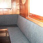 Sitz- und Rückenpolster für eine Eckbank in einer Alphütte