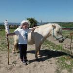 ... mit ihren beiden Ponys ;-)