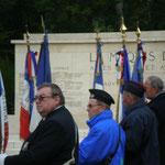 La tombe se situe au rond-point de la Résistance, en forêt domaniale d'Orléans, sur la commune de Lorris, près des tombes des nombreux maquisards massacrés par les troupes nazies en août 1944