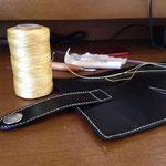 極太のナイロン糸を使用します。