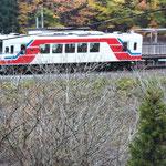 小石浜駅を走り出した三陸鉄道を思わず撮影しました(盛岡 佐藤 信也さん)