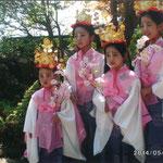 「白山神社春季例大祭」での思い出の1枚です。娘4人での参加は初めてで、親子共々心に残る出来事でした(平泉 千葉 陽子さん)