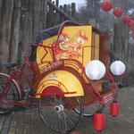 De riksja met inbouw voor de promotie van Chocomel zodat er Chocomel vanuit de fietstaxi getapt kon worden