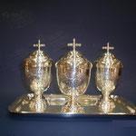 4C - contenitore per olio Santo in argento lavorato a mano