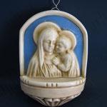 """33B - Acquasantiera in ceramica stile Luca della Robbia """"Madonna con Bambino"""""""