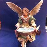 41 - Acquasantiera Angelo della scultrice Angela Tripi in terracotta e vestiti veri