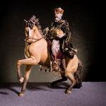 """10S - Re a cavallo - di """"LEPI"""" scultura in legno dipinta a mano -"""