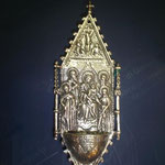 9B - Acquasantiera in argento - Madonna con Bambino e Santi