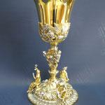 1C - Calice in metallo bicolore con le figure delle tre virtù e simboli in rilievo - lavorato a  mano