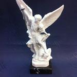 64 - Arcangelo Michele con drago in polvere di marmo con bae in marmo