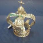9 C - Corona in filigrana d'argento e pietre