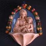 29B - Acquasantiera in ceramica stile Luca della Robbia