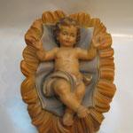 """31T - Bambinello con culla """"COSTA"""" in legno scolpito e dipinto a mano"""