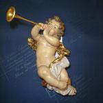 5A - Angelo con tromba - scultura in legno dipinta a mano