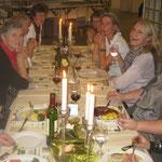Ein Teil der Teilnehmerinnen beim Nachtessen