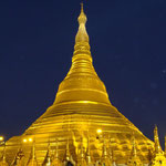 Paya Shwedagon la nuit tombée