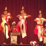 Danse et tambours kandyens