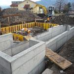 Neuer Kanal betoniert (30.11.11)