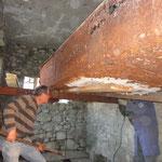 Altes Metallkett: an vielen Stellen durchgerostet und schon mehrfach geflickt (21.3.12)