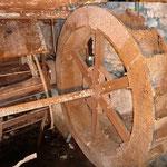 Das noch am besten erhaltene Wasserrad bei der Werkzeugschmiede (2012)