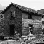 Restaurierte Messerschmiede am neuen Standort (Mai 1987)