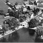 Ursprünglicher Standort (oberhalb Pfeil): Luftaufnahme von ca. 1965