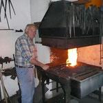 Heutiger Werkstattinhaber an der Arbeit