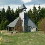 Quernstkirche - uralter Kultplatz und Moderne