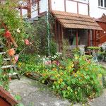 Haus und Vorhof
