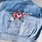 persoonlijke tekst en bloemen op jouw jasjes