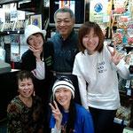 2008.4.17 川崎生まれのアーティスト「ちょっきんず」三姉妹が来店。