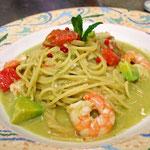 アボカドと海老のスパゲッティ