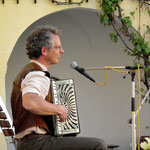 und Harmonika