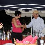 die Siegerin Sonja K. mit dem Bauerngolfpräsidenten