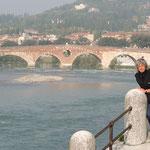 die älteste Brücke Veronas - Ponte Pietra