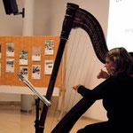 Christina Selmeister auf der Harfe