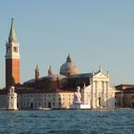 Venezia - Skulptur vor San Giorgio Maggiore