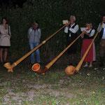 Die Gurktaler Alphornbläser Nora, Klaus und Walter