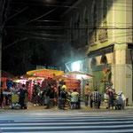 nächtlicher Martkt in Manaus