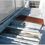 金網を撤去 屋根部 防錆剤塗布
