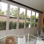 Terrassenbau - Lärche in opalweiß mit Glasfüllungen