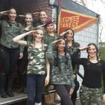 Carroussel groep met het thema ''leger''