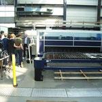Laserschneiden, Schneidfläche: 3m x 1,5m, Kosten: über 1Mio. Euro Materialdicke: mehrere cm (Stahl, Alu.)